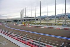 Circuito F1 en el día del otoño del revestimiento del parque de Sochi (Sochi, Krasnodar, Rusia) Foto de archivo