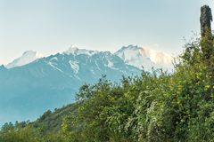 Circuito Nepal Gosaikunda de Langtang da montagem Foto de Stock Royalty Free