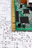 Circuito stampato che si trova sul diagramma di elettronica, tecnologia Fotografie Stock Libere da Diritti