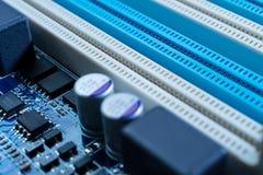 Circuitos electrónicos en concepto futurista de la tecnología foto de archivo