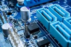 Circuitos electrónicos en concepto futurista de la tecnología fotografía de archivo libre de regalías