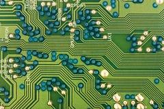 Circuitos electrónicos verdes Fotos de archivo libres de regalías