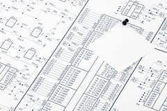 Circuits électriques et punaise Photographie stock