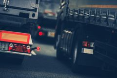 Circulación densa de los camiones imágenes de archivo libres de regalías