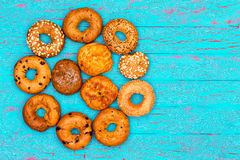 Circular arrangement of freshly baked bagels Royalty Free Stock Images