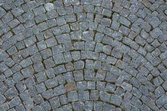 A circular de pedra da estrada do godo enfileira o cinza conservado em estoque da foto do fundo imagens de stock
