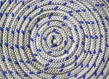 Circular espiralmente da corda náutica fotografia de stock royalty free