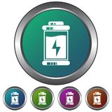 Circular, metálico, icono de la batería de la pendiente/botón Cinco variaciones del color Aislado en blanco ilustración del vector