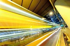 Circulation de nuit dans la ville Photo libre de droits