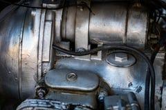Circulez en voiture le détail de vélo - bloc moteur, pièces en métal de moto photo stock