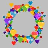 Circunde el marco con los corazones en el fondo gris para su texto Imagenes de archivo