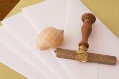 Cire et enveloppes de cachetage Images stock