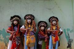 从cirebon的四位桑巴舞蹈家 库存图片