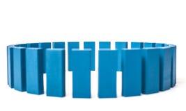 Cirkel av blåa byggnadskvarter Arkivfoto