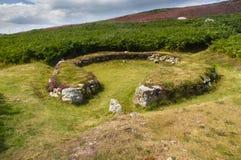 Cirkel för koja för Ty Mawr forntida på Holyhead, Anglesey Arkivfoton