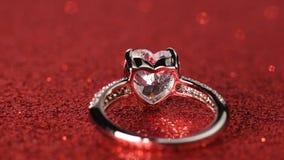 Cirkel med den formade diamanten för stor hjärta