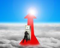 Cirkel van het zakenman de duwende geld op rode pijl met zonlichtclou Royalty-vrije Stock Afbeeldingen