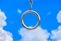Cirkelketen witte wolken en blauwe hemel Royalty-vrije Stock Fotografie