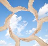 cirkeln hands mänsklig framställning arkivbild