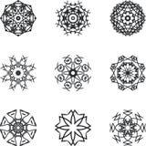 Cirkeln snör åt prydnaden, den dekorativa geometriska doilymodellen för rundan, julsnöflingagarnering, rundaprydnadmodellen, tapp Royaltyfri Bild
