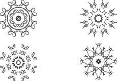Cirkeln snör åt prydnaden, den dekorativa geometriska doilymodellen för rundan, julsnöflingagarnering, rundaprydnadmodellen, tapp Fotografering för Bildbyråer