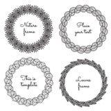 Cirkelnaturramar (svart) med vektoruppsättningen för sidor (gömma i handflatan, äppleträd, asp, havsbuckthorn) tappning för stil  Royaltyfria Foton