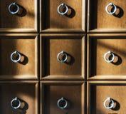Cirkelringen op de laden van een dienst royalty-vrije stock foto's