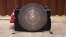 Cirkelsågvideo arkivfilmer
