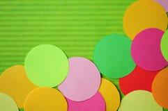cirklar den enkla paper regnbågen för utklipp Royaltyfri Foto