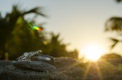 Cirklar på solnedgången Arkivbild
