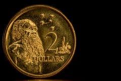 Cirkulerad australier 2 dollar mynt fotografering för bildbyråer