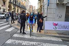 Cirkuleringsväg Racing som tar ett kort snitt Royaltyfria Foton