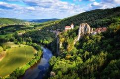 Cirq La Popie Dorf auf der szenischen Ansicht der Klippen Lizenzfreies Stockbild