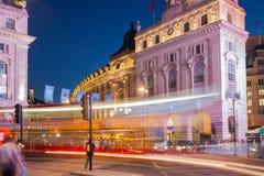 Cirque de Piccadilly dans la nuit Londres Photographie stock