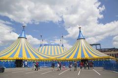 Cirque du Soleil -circustent bij Citi-Gebied in New York Stock Foto's