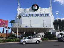Cirque du Soleil Disney vårar Arkivbild