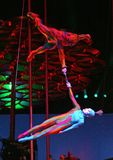Cirque du Soleil esegue immagine stock