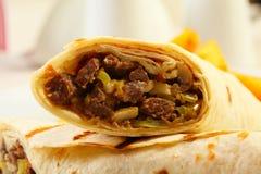 Ciérrese para arriba de kebab del doner del dorum Fotografía de archivo