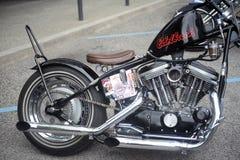 Ciérrese para arriba de un motor y de un cromo de la motocicleta Foto de archivo