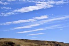 Cirrus σύννεφα πέρα από την έρημο Negev Στοκ φωτογραφία με δικαίωμα ελεύθερης χρήσης
