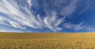 Cirrus σύννεφα στα βουνά Khizi Azerbaiajan Στοκ φωτογραφία με δικαίωμα ελεύθερης χρήσης