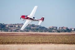 Cirrus SR22 entfernen sich in den Wettfliegen Präsidenten-Trophy Stockfotografie
