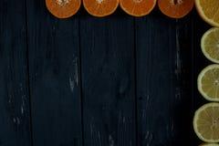 Cirtus no fundo de madeira foto de stock royalty free