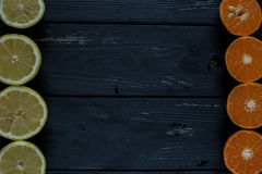 Cirtus på träbakgrunden arkivfoto