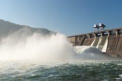 Central hidroeléctrica Imágenes de archivo libres de regalías