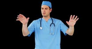 Cirurgião que finge usar a tela digital futurista filme