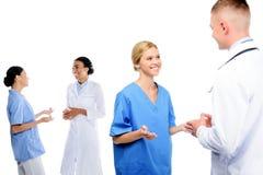 cirurgiões e doutores na conversação imagem de stock royalty free