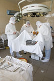 Cirurgiões no trabalho imagem de stock royalty free