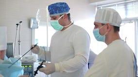 Cirurgia de Laparoscopic Cuidados médicos vídeos de arquivo