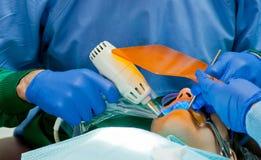 Cirurgia dental fotos de stock